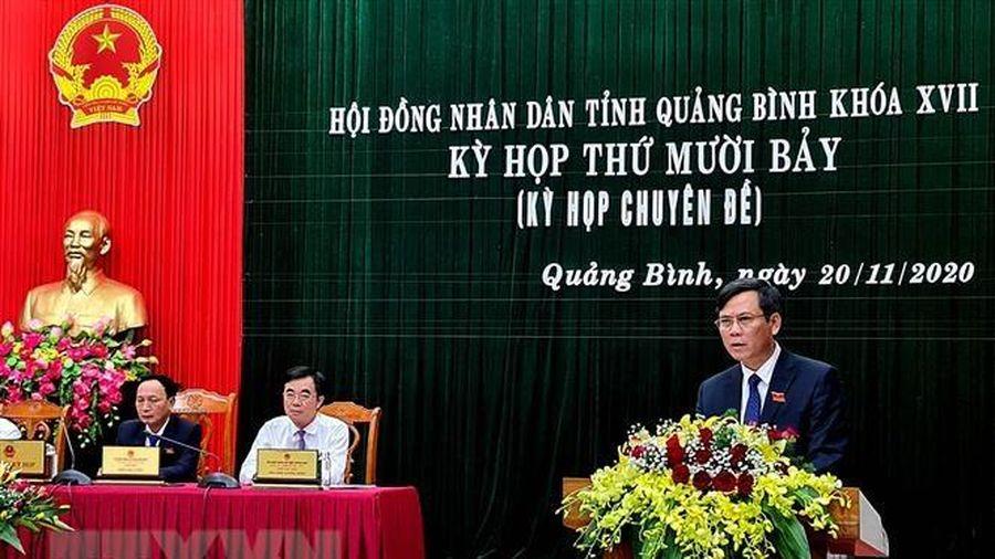 Thủ tướng phê chuẩn nhân sự UBND hai tỉnh Quảng Bình, Hòa Bình