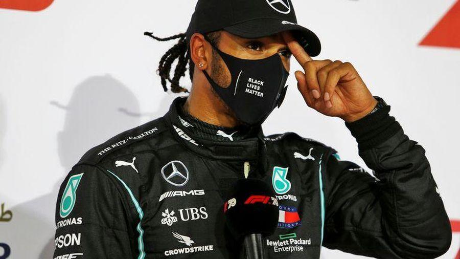 Tay đua vô địch F1 Lewis Hamilton mắc COVID-19