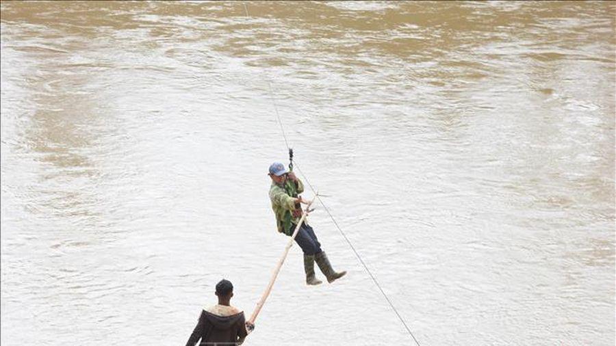 Phản hồi thông tin của TTXVN: Kon Tum tuyên truyền, vận động người dân không liều mình đu dây qua sông Pô Kô