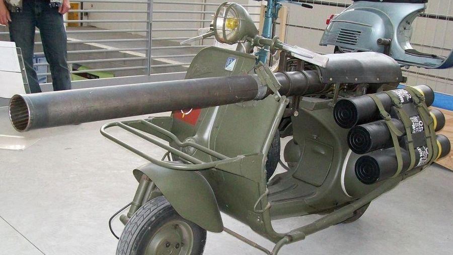 Ngạc nhiên mô tô chống tăng của lính dù Pháp