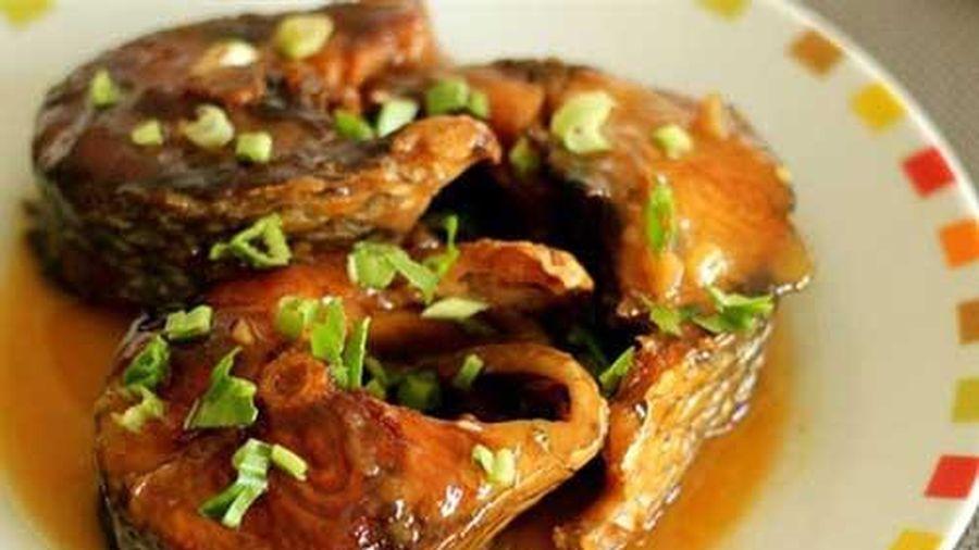 Cách làm cá kho nước dừa tròn vị, đưa cơm