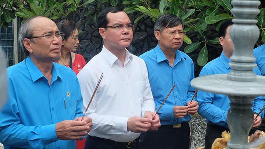 Chủ tịch Tổng Liên đoàn Lao động Việt Nam viếng Khu tưởng niệm chiến sĩ Gạc Ma