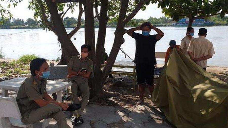 Phát hiện thi thể phụ nữ móp đầu, mất 1 cánh tay trôi trên sông Sài Gòn