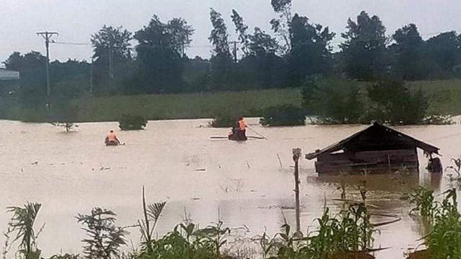 Nam thanh niên bị đuối nước trong lúc chèo thuyền trên hồ cá