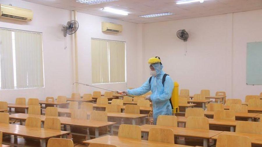 Giảng viên tiếp xúc gần với BN 1342, sinh viên phải nghỉ học