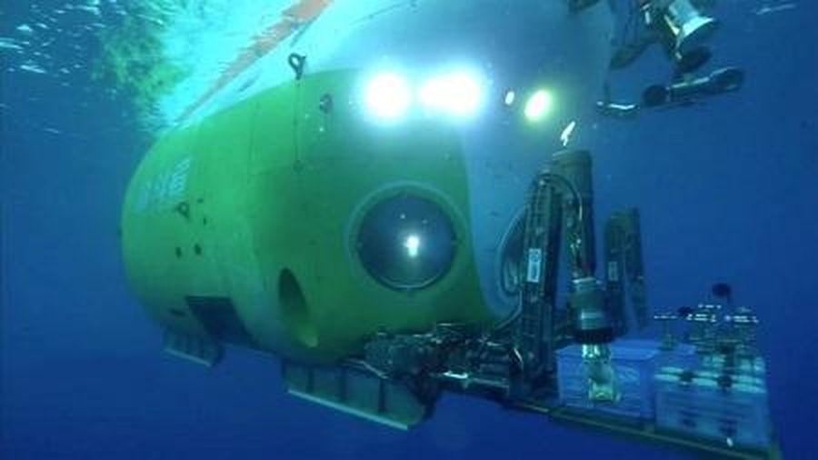 Tàu ngầm Trung Quốc xuống nơi sâu nhất trên Trái đất