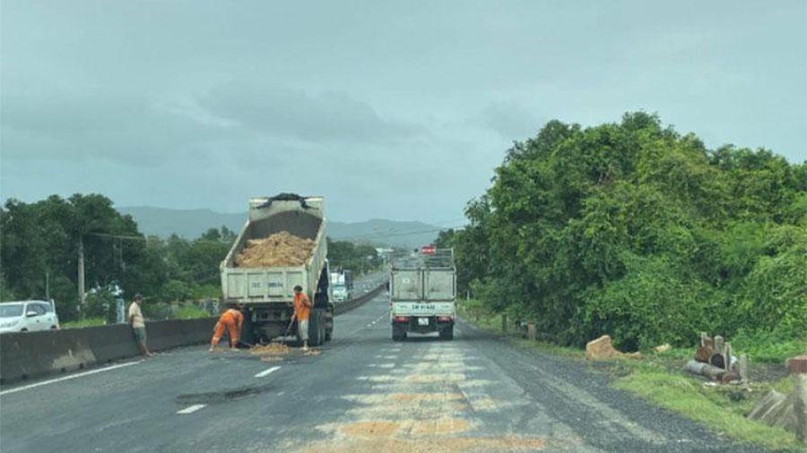 Phú Yên chỉ đạo kiểm tra tình hình hư hỏng đường sau bão lũ