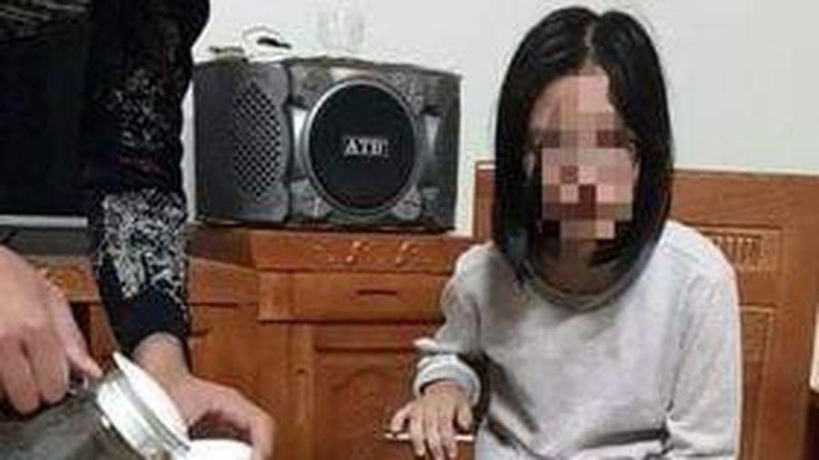 Bé gái 13 tuổi được tìm thấy trong ngôi nhà hoang, bố nạn nhân tiết lộ nguyên nhân 'mất tích'