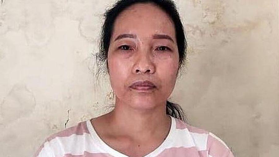 Nữ giúp việc trộm 5.000 USD của chủ nhà và đánh tráo bằng tiền âm phủ
