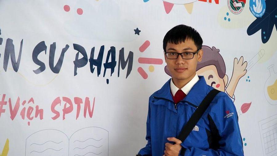 Thủ khoa của Nghệ An bỏ trường Dược về quê học sư phạm