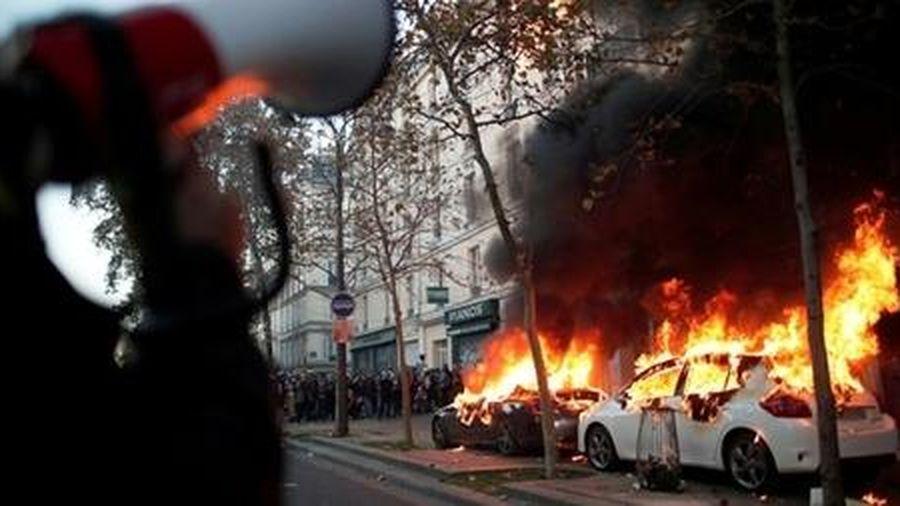 Chính phủ Pháp lúng túng trước các vụ bạo lực của cảnh sát