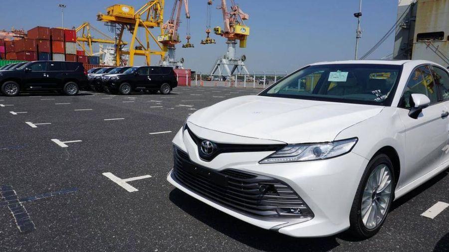 Nhập khẩu ô tô tiếp tục giảm do xe lắp ráp được giảm phí trước bạ?