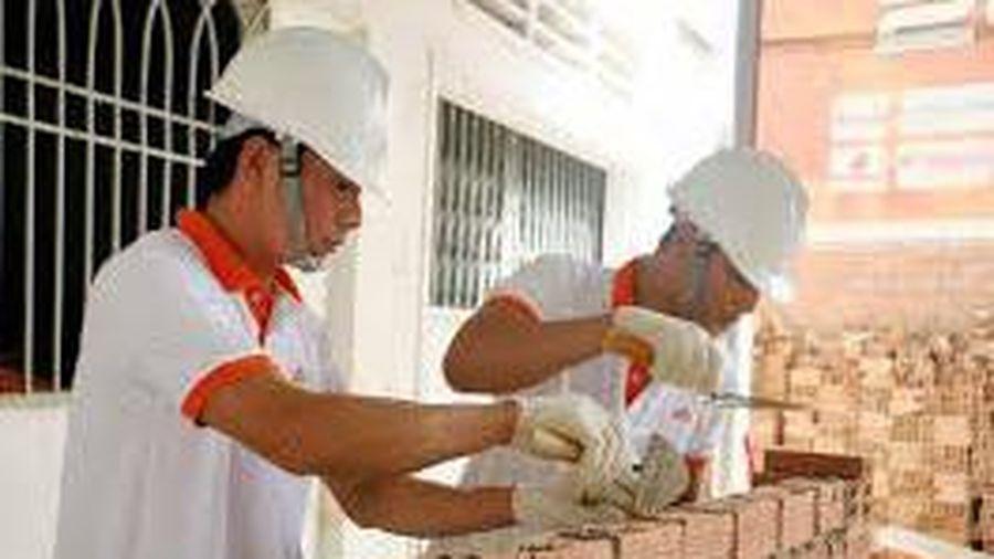 Thợ xây dựng dân dụng so tài với 7 nghề xương sống tại công trường