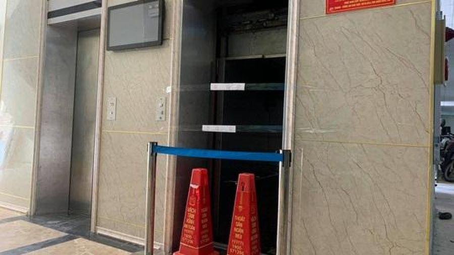 Để thang máy chung cư không còn là nỗi ám ảnh