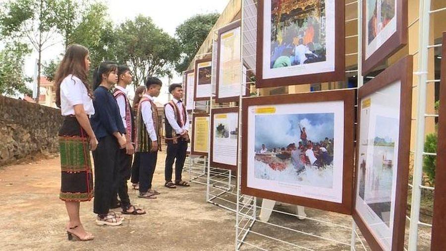 Đắk Nông: Triển lãm 'Hoàng Sa, Trường Sa của Việt Nam'