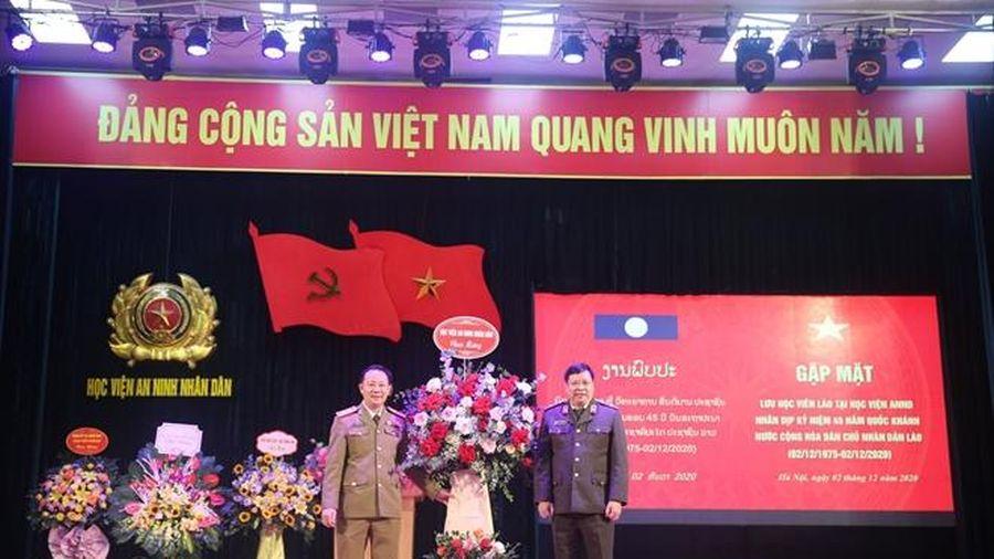 Gặp mặt lưu học viên Lào đang học tập tại Học viện ANND