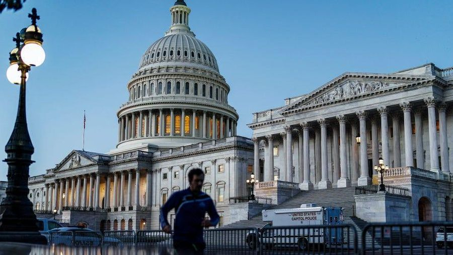 Nghị sỹ lưỡng đảng đề xuất chi 908 tỷ USD cứu vớt kinh tế Mỹ