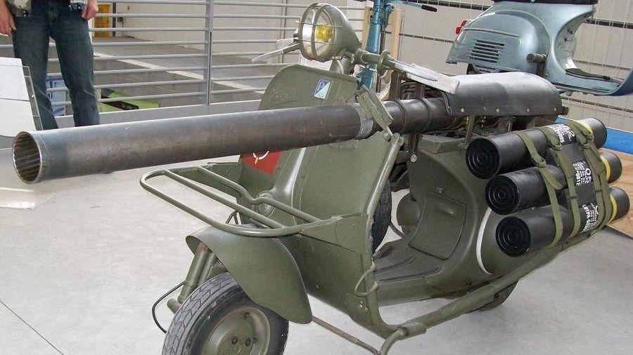 Vespa 150 TAP: 'Sát thủ hai bánh' cõng cả đại bác của Pháp