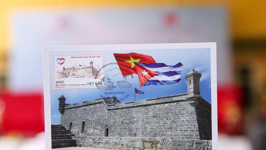 Phát hành bộ tem bưu chính Việt Nam - Cuba
