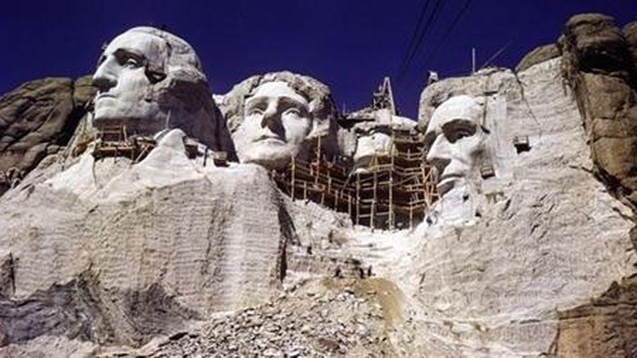 Di sản đáng buồn trên núi Rushmore