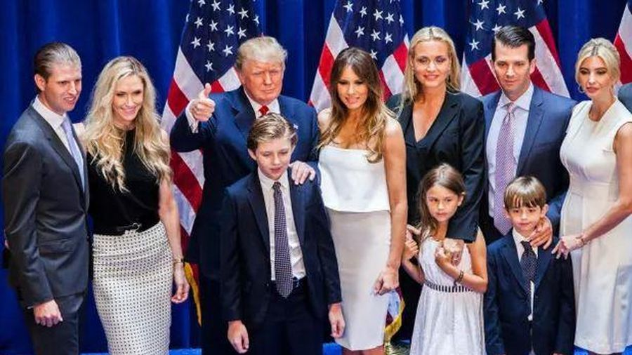 Báo Mỹ: Ông Trump muốn ân xá 3 con, rể, luật sư riêng