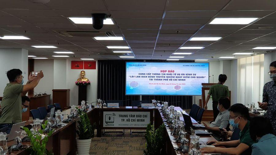 TP.HCM họp báo về việc khởi tố vụ tiếp viên làm lây lan COVID