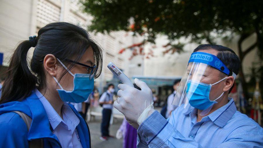 Bộ GD&ĐT yêu cầu tăng cường phòng chống dịch Covid-19 trong trường học