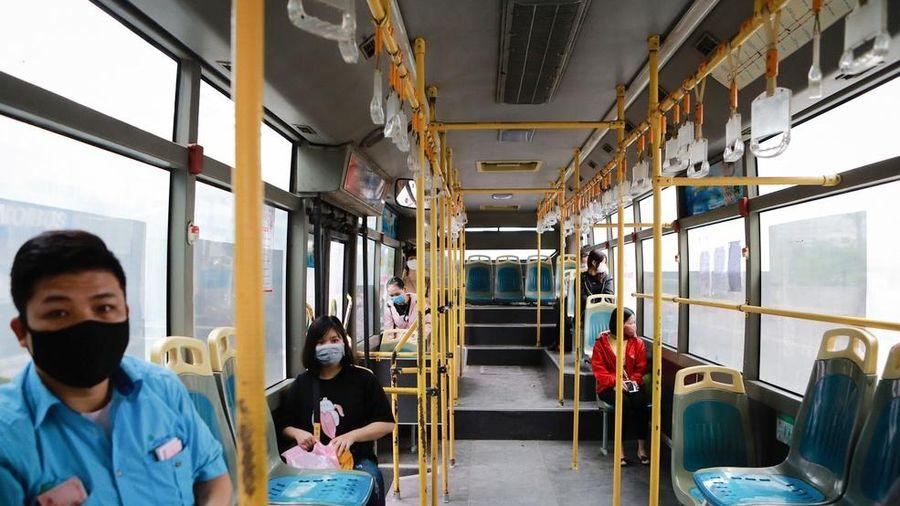 Tìm hành khách trên 2 tuyến buýt TP.HCM - Long An