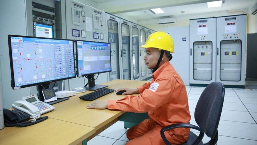 Ngành điện Hà Nội hướng về miền Trung trong tháng tri ân khách hàng