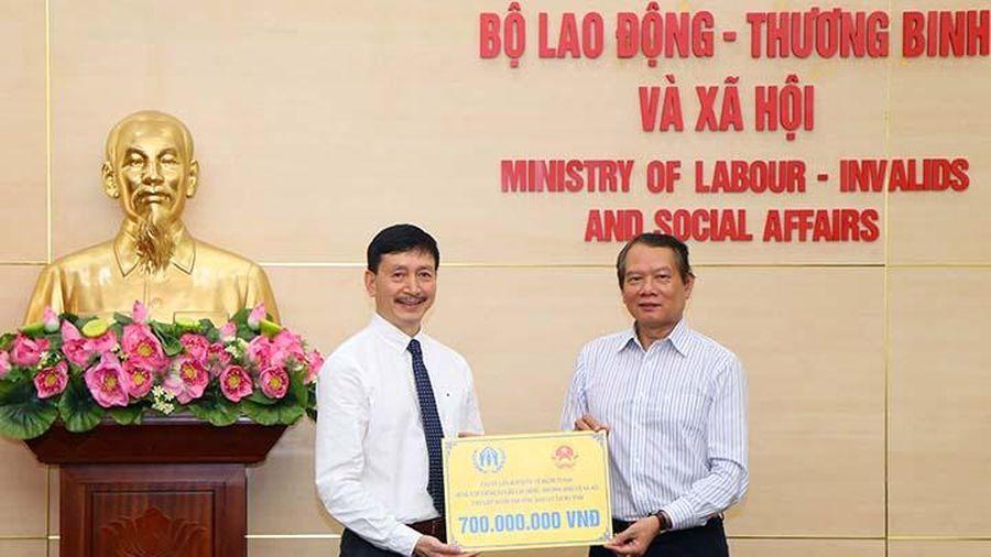 UNHCR quyên góp 700 triệu đồng giúp người dân Hà Tĩnh