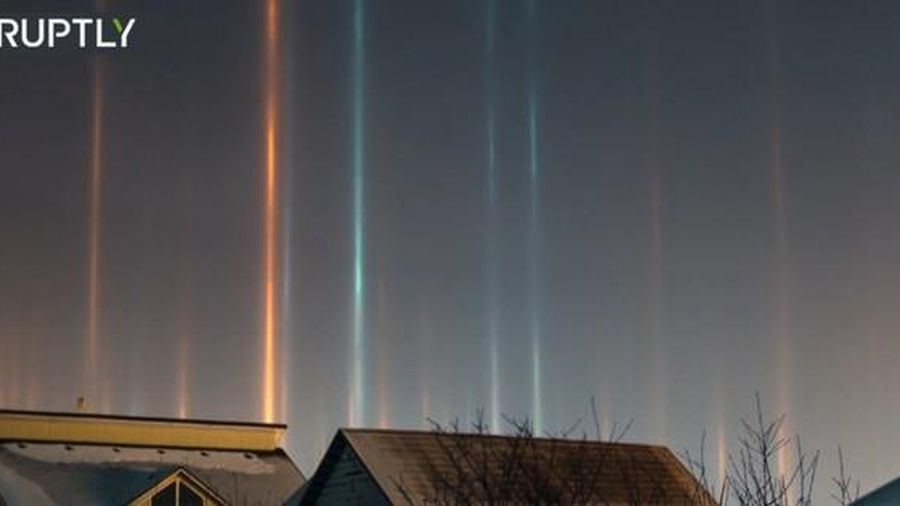 Kỳ lạ những cột ánh sáng mọc tua tủa ở Siberia