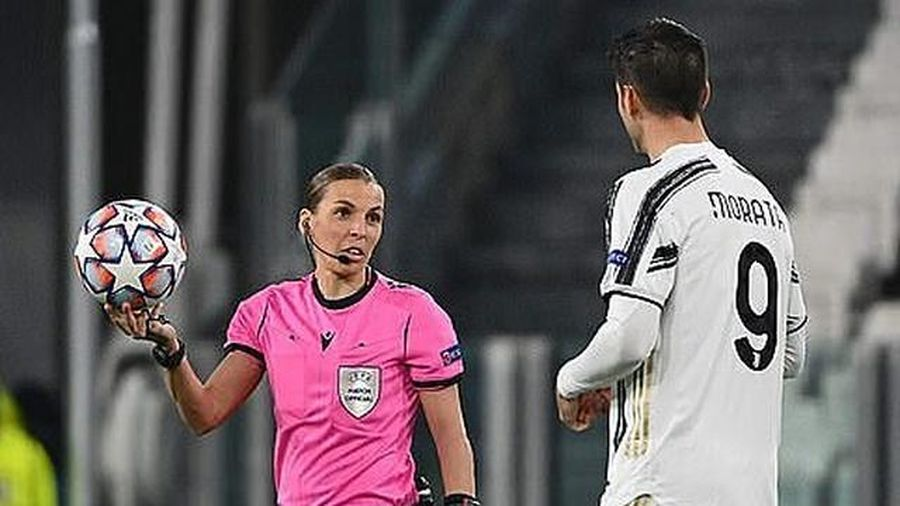 Nữ trọng tài người Pháp đi vào lịch sử Champions League