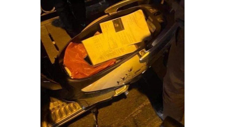 Người phụ nữ nghi mang thai nhảy cầu Long Biên tự tử