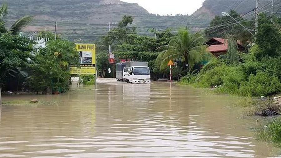Các địa phương theo dõi chặt chẽ diễn biến mưa lũ và không khí lạnh