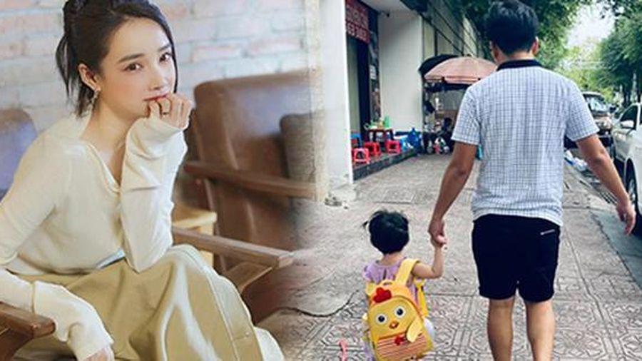 Sao Việt: Nhã Phương hiếm hoi khoe khoảnh khắc đáng yêu của con gái