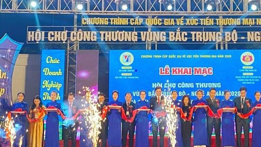 Hội chợ Công Thương vùng Bắc Trung Bộ - Nghệ An thu hút hơn 100 doanh nghiệp