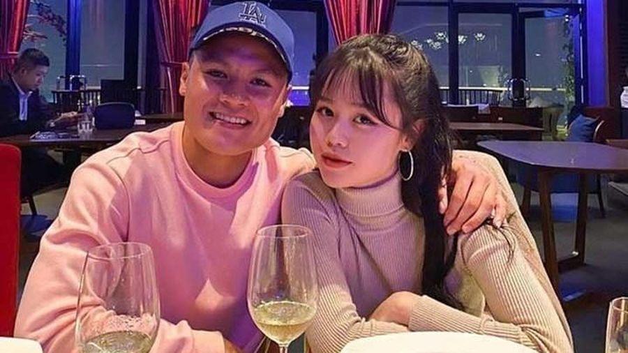 Huỳnh Anh có động thái lạ sau khi Quang Hải bấm follow trở lại