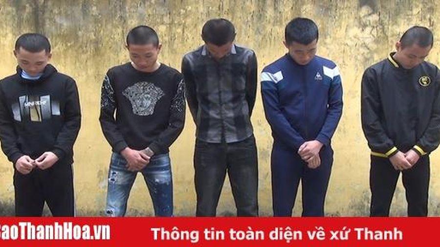 Khởi tố nhóm thanh niên nửa đêm tổ chức sử dụng ma túy ngoài cánh đồng