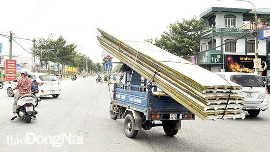 Cần quản lý chặt xe ba gác