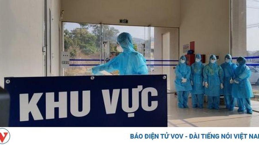 Việt Nam ghi nhận 3 ca mắc COVID-19, được cách ly ngay khi nhập cảnh