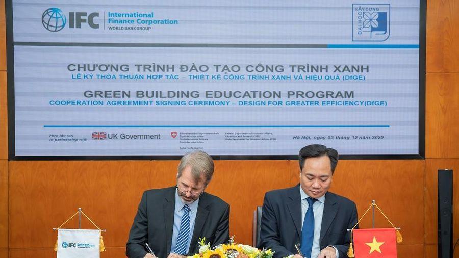 IFC hỗ trợ đào tạo kỹ năng thiết kế xanh cho sinh viên để thúc đẩy phát triển công trình xanh tại Việt Nam