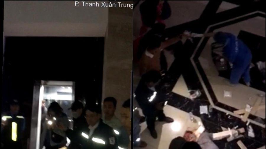Hà Nội: Ngã từ thang máy ở chung cư Hoàng Huy, 1 người bị thương nặng