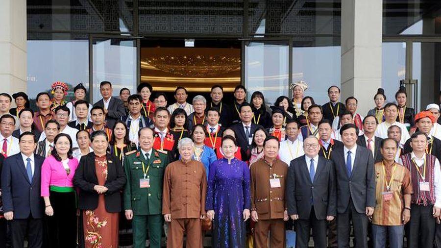 Chủ tịch QH Nguyễn Thị Kim Ngân gặp mặt Đoàn đại biểu dự Đại hội đại biểu toàn quốc các dân tộc thiểu số Việt Nam lần thứ hai