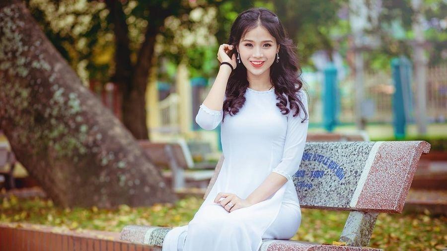 Nữ sinh Hoa khôi Ngoại Thương vẫn sống như những đóa hoa dù mắc bệnh K nguy hiểm