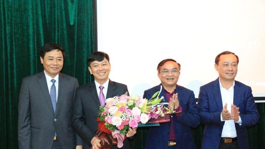 Công bố Quyết định chỉ định cán bộ tham gia BCH Đảng bộ huyện Đô Lương, nhiệm kỳ 2020-2025