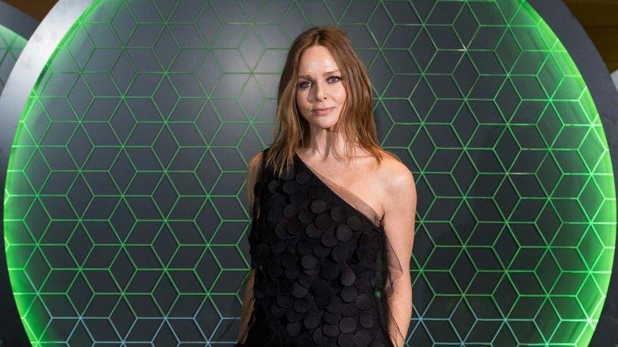 Anh: Giải thưởng thời trang tôn vinh đóng góp đẩy lùi dịch COVID-19