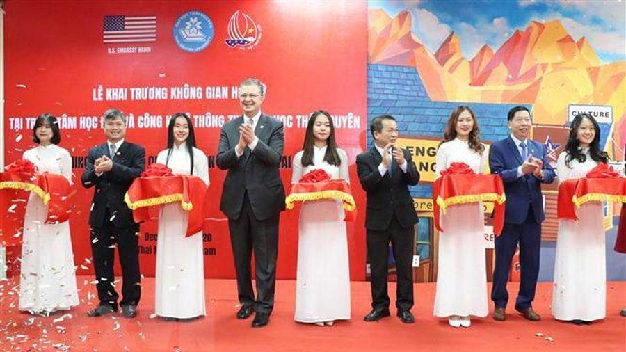 Đông đảo sinh viên dự khai trương 'Không gian Hoa Kỳ' tại Thái Nguyên