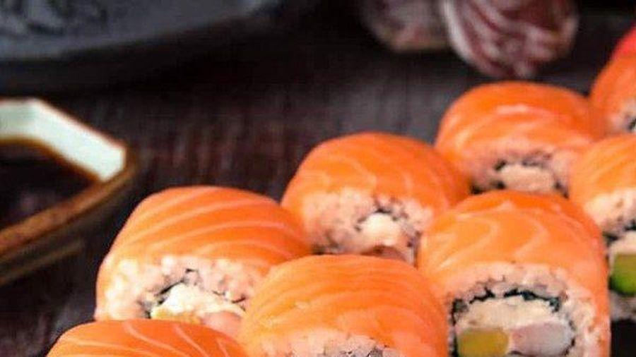 Người phụ nữ 34 tuổi bị mất ngủ, gặp ảo giác vì ăn sushi để lâu ngày