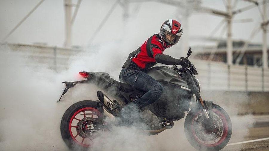 Ducati Monster 2021 sở hữu công suất mạnh mẽ hơn, trọng lượng nhẹ hơn