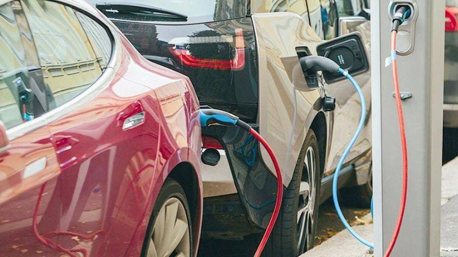 Nhật cũng muốn loại bỏ dần ô tô sử dụng nhiên liệu hóa thạch